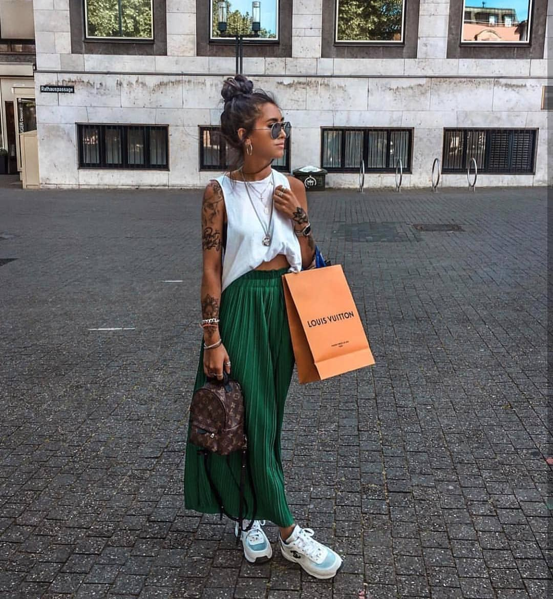 How To Wear Green Maxi Skirts This Summer 2019