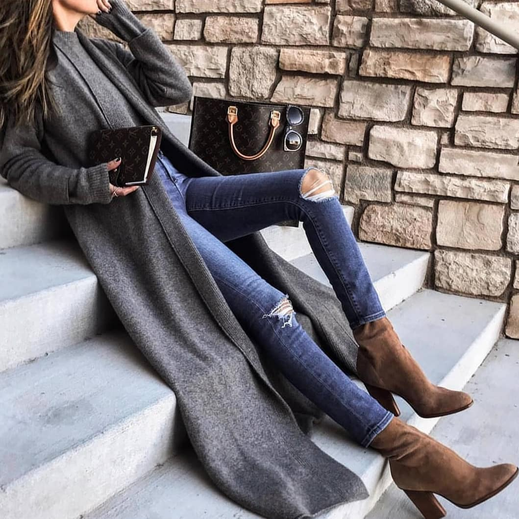 Grey Maxi Cardigan And Knee Ripped Skinny Jeans With Sock Boots For Fall 2020