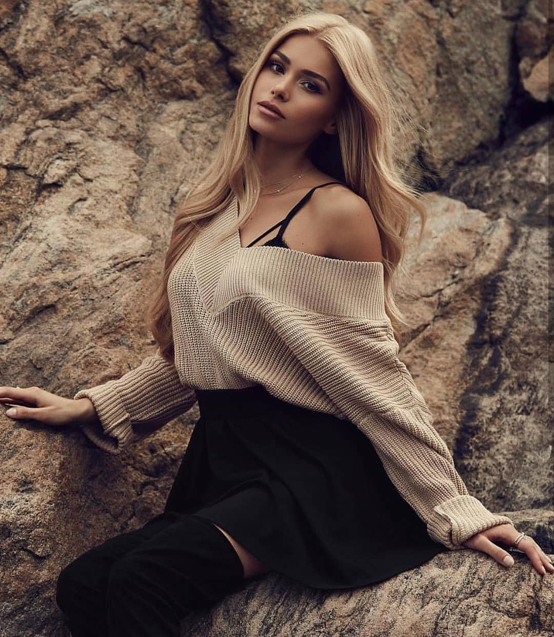 Off-Shoulder Beige Sweater With Black Flared Skirt And OTK Boots For Fall 2020