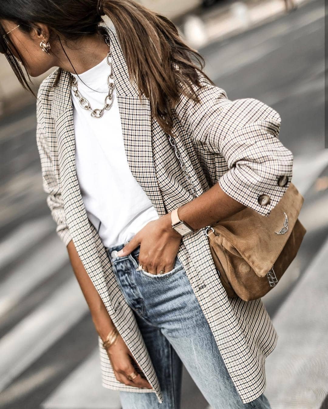 Long Plaid Blazer And White Top With Wash Blue Slim Jeans For Spring 2020