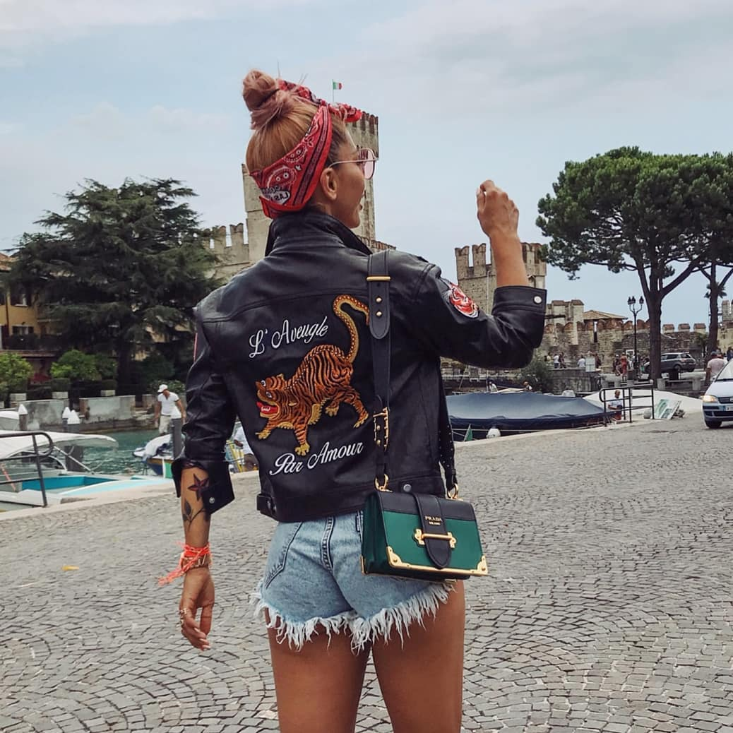 Can I Wear Black Leather Jacket With Cool Print On Back 2019