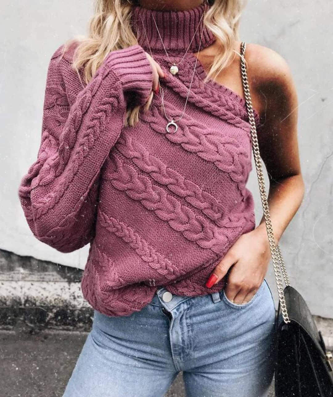 One-Sleeve Turtleneck Sweater In Pink Color For Spring Months 2019
