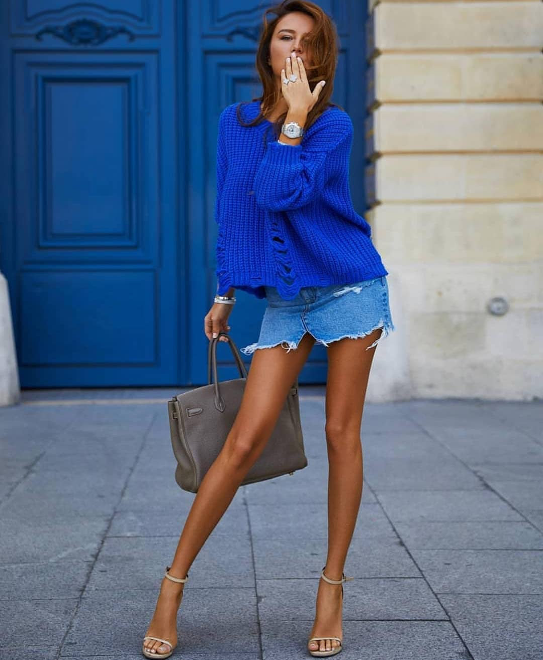 Bright Blue Oversized Sweater For Spring: Cool Knitwear To Wear Now 2019