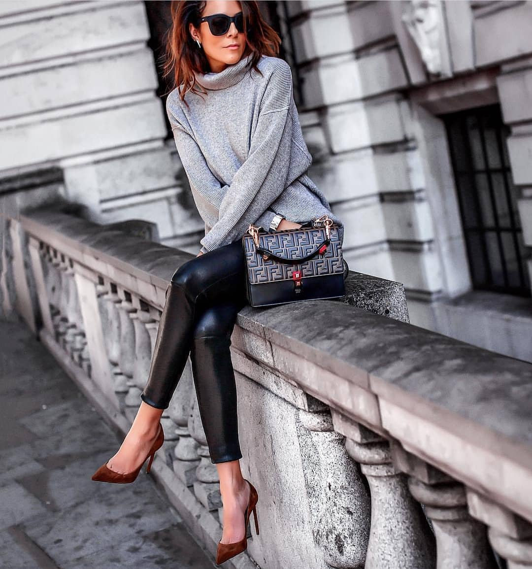 Oversized Grey Sweater And Black Leather Slim Pants: Perfect Fall Outfit 2020
