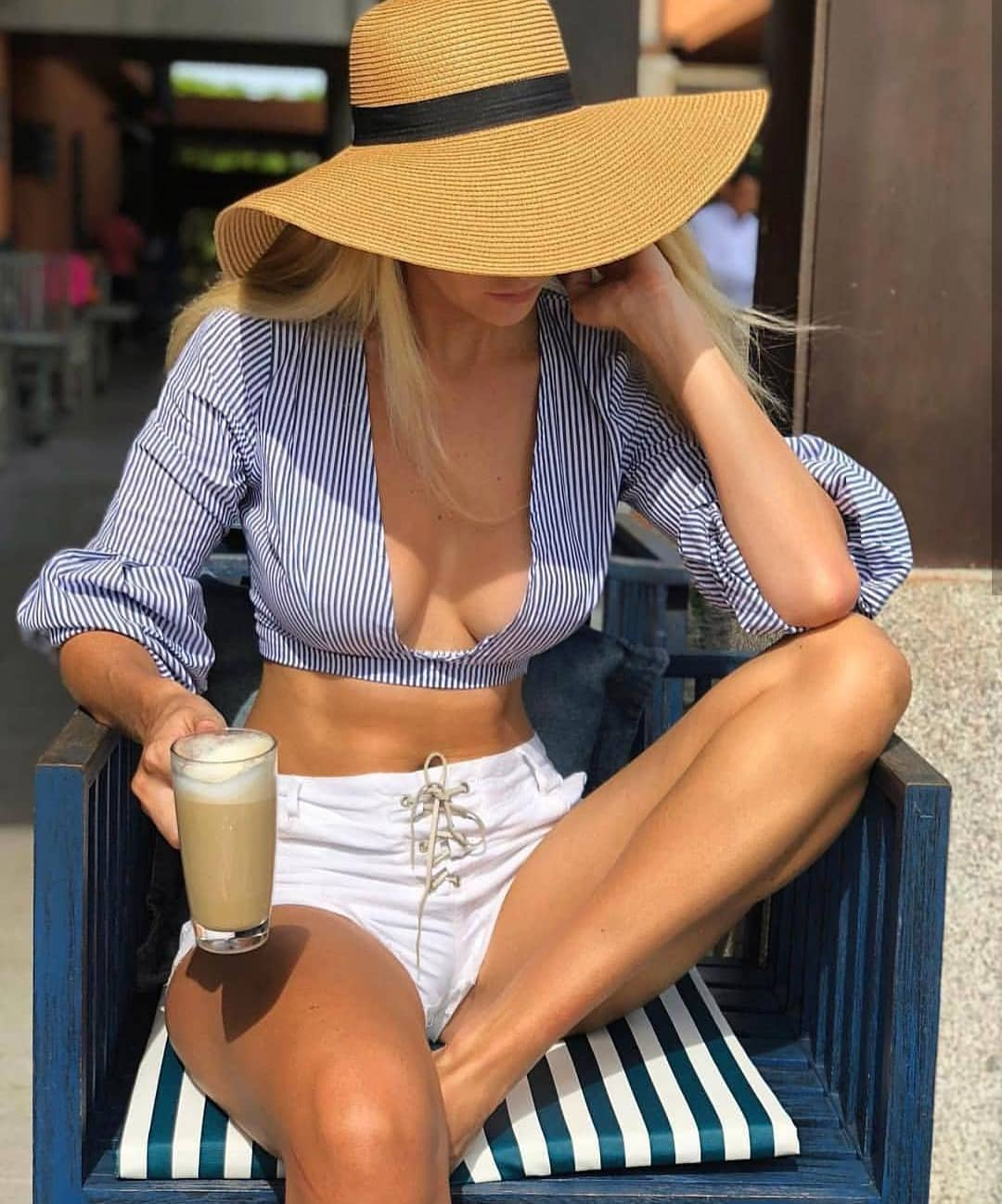 Pinstripe Crop Top With Deep Neckline And White Shorts For Summer 2020