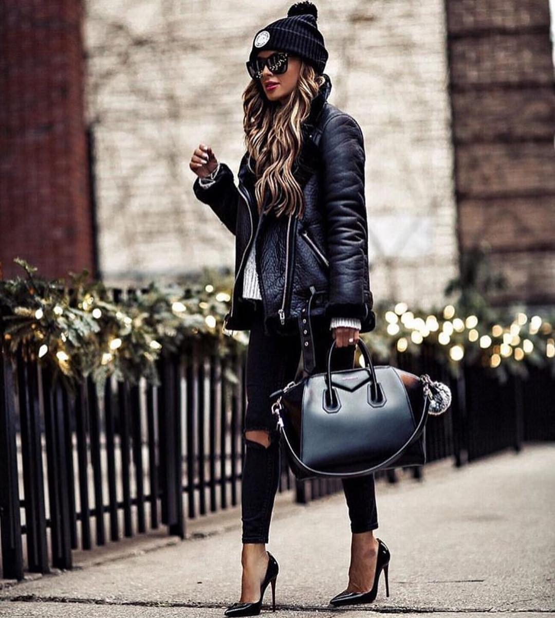 All Black Fall Outfit For Casual Street Walks: Aviator Jacket And Ripped Jeans 2021