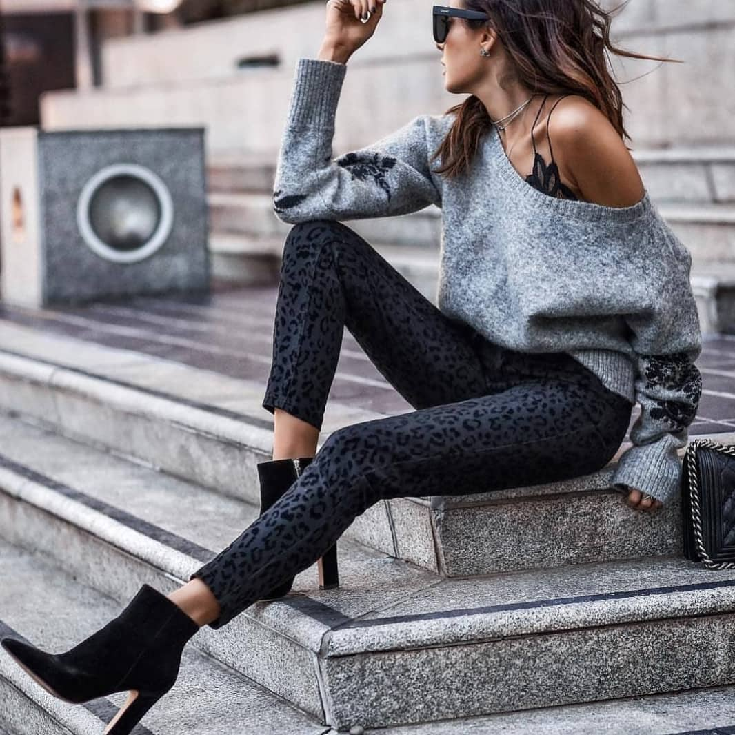 Leopard Print Grey Jeans And Grey Drop-Shoulder Sweater For Fall 2019