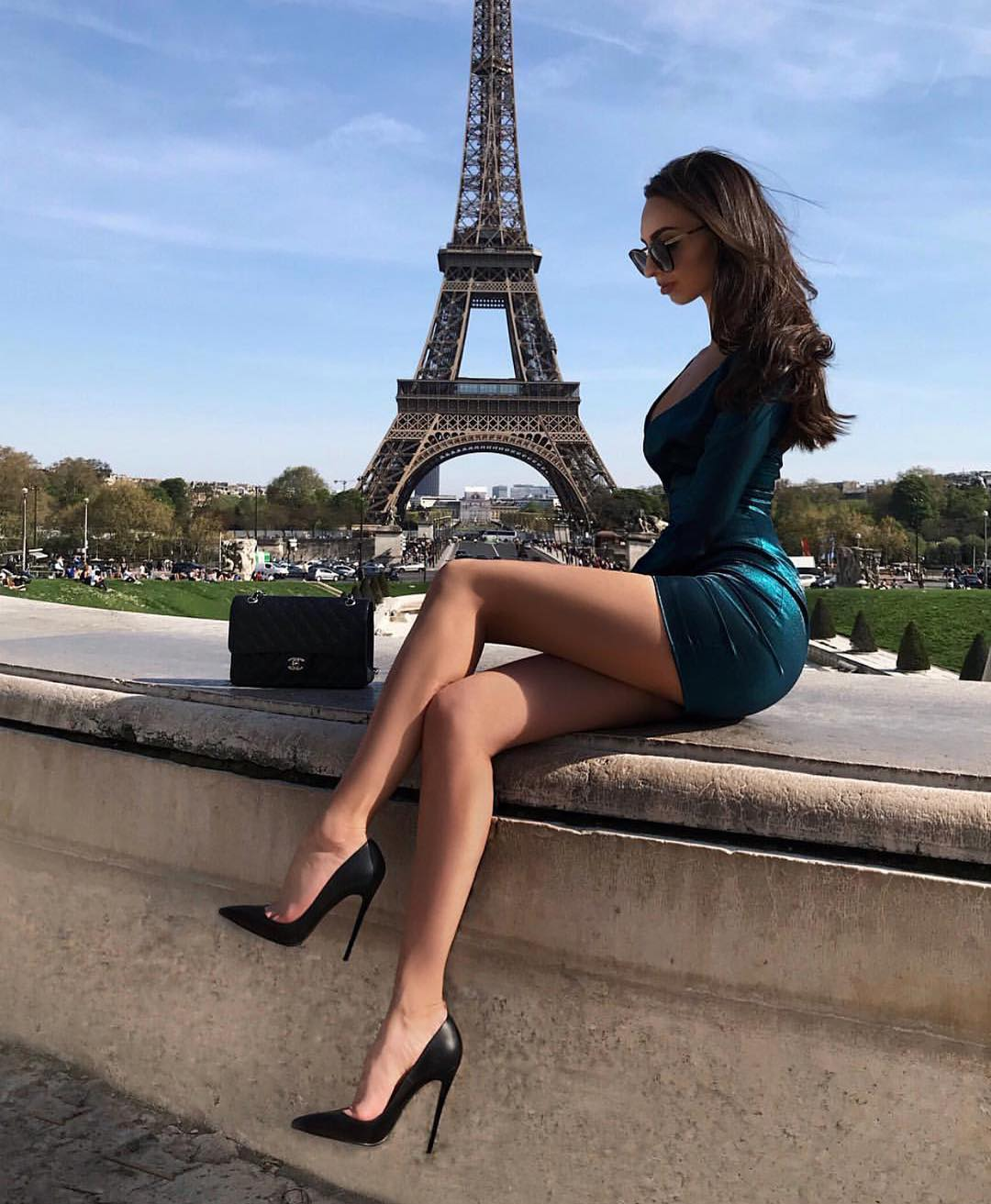 Mini Dress In Rich Green With Black Heeled Pointed Toe Pumps 2019
