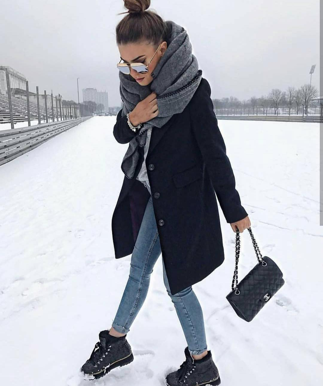Black Coat And Timberlands For Winter Casual Days 2019