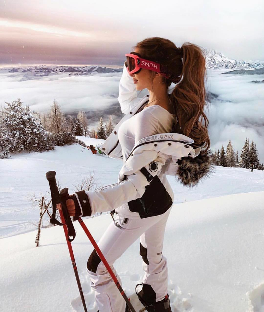 All White Winter Ski Outfit Idea For Young Ladies 2020