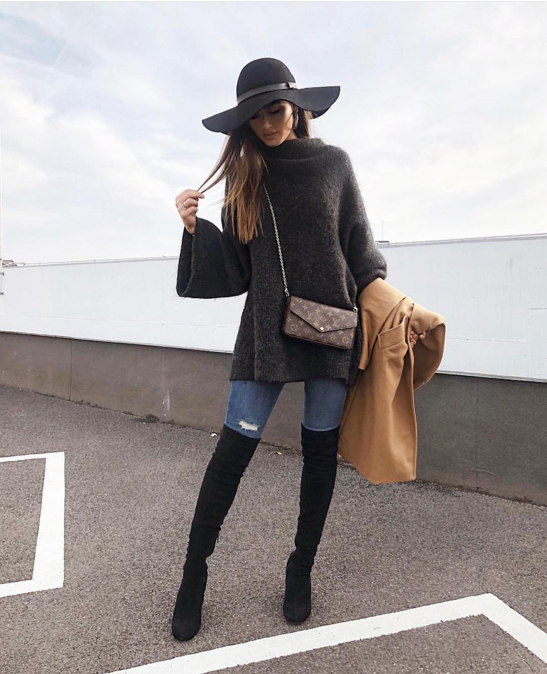 Boho Autumn OOTD: Floppy Hat, Oversized Sweater And OTK Boots 2020