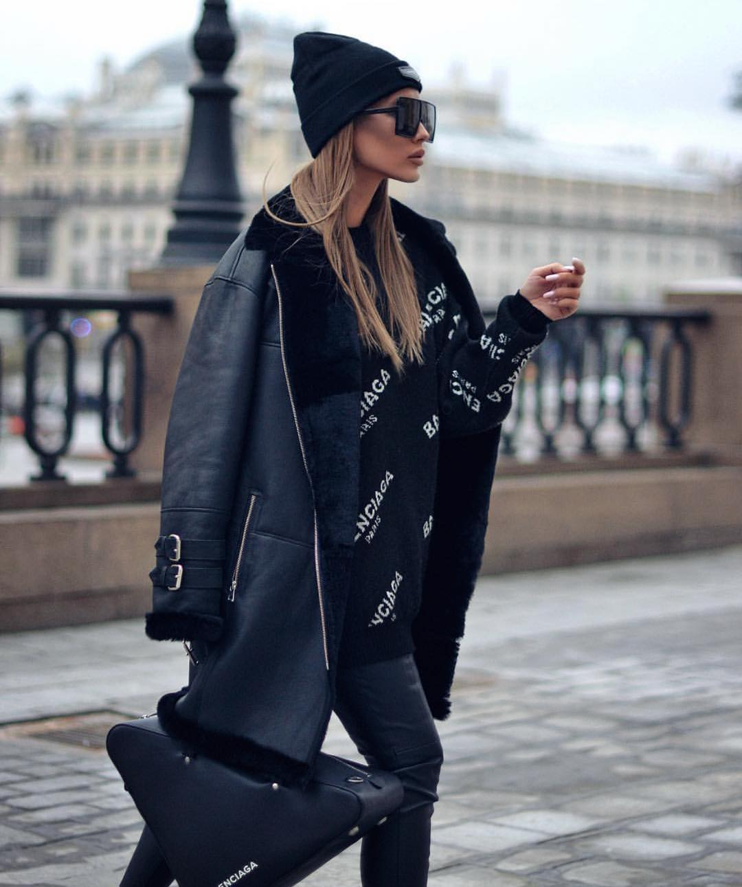 All Black Outfit Idea: Shearling Jacket, Oversized Sweater And Leather Pants 2021