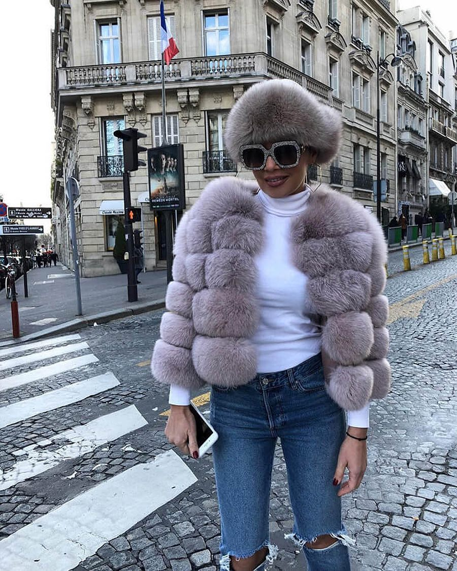 French Chic Outfit With Fur Jacket For Spring 2019