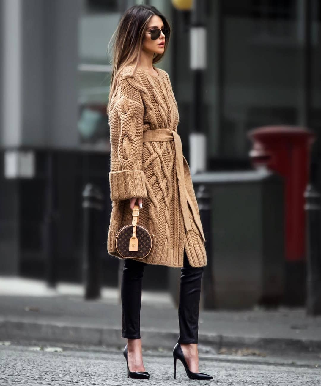 Fall Essentials: Belted Camel Oversized Cable Knit Cardigan And Slim Leather Pants In Black 2019