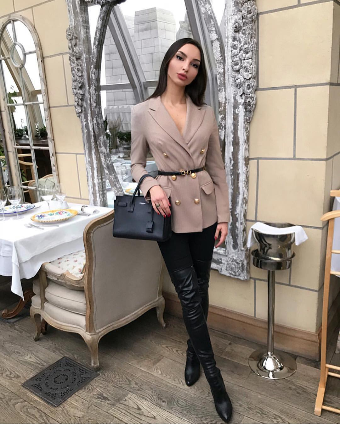Can I Wear Double Breasted Blazer With Leather OTK Boots 2019