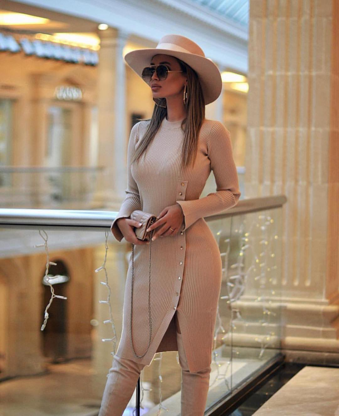 Can I Wear Camel Knitted Dress With Wide Brim Hat 2021