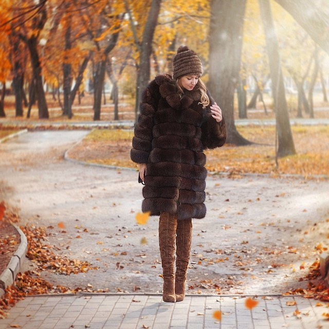 Brown Fur Coat And Brown Suede OTK Boots For Fall 2019