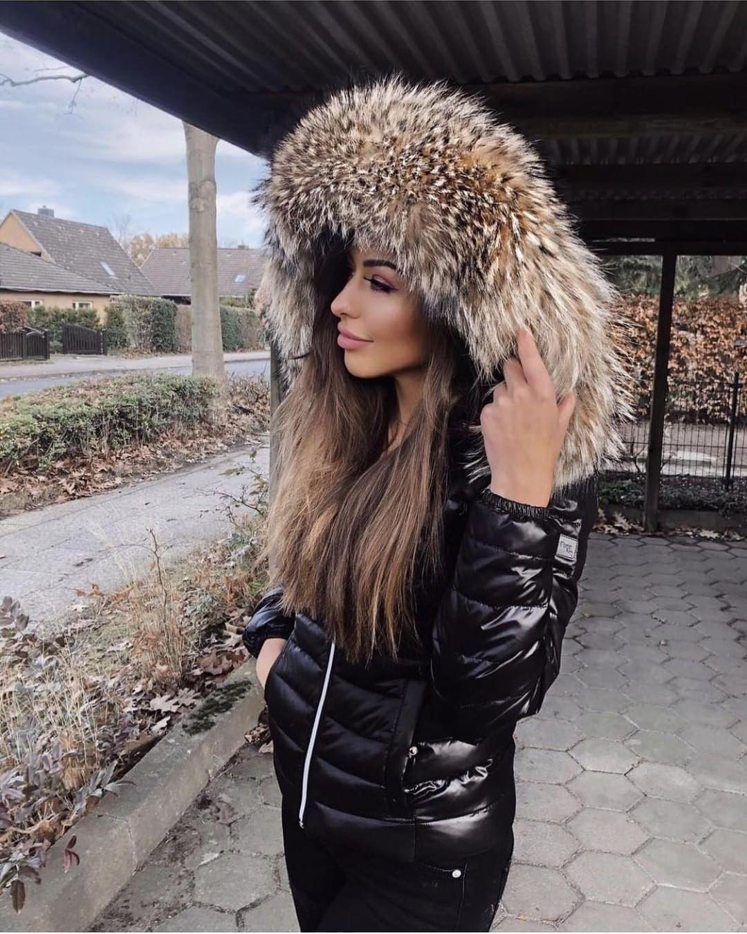 Fur Hooded Patent Black Down Jacket For Autumn Months 2020