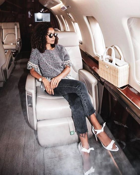 Best Travel Outfits For Long Flights 2020